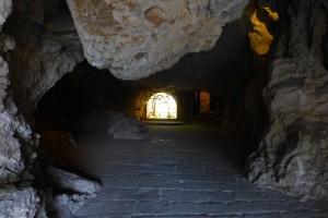 Cueva de entrada a la Ermita de San Saturio en Soria
