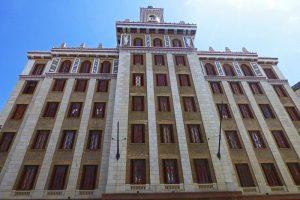 Edificio Bacardí, antigua sede de la compañía de bebidas alcohólicas Barcadí