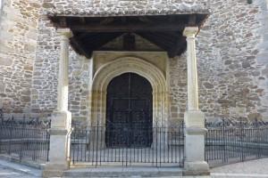 Portada principal de la Iglesia de Santa María del Castillo