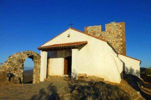 Ermita junto al Castillo de Monfragüe