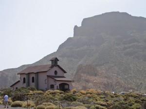 Ermita de Nuestra Señora de las Nieves en la base del Teide