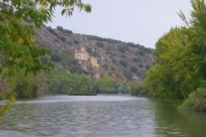 Ermita de San Saturio junto al río Duero