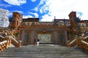 Escalinata de Teruel o Escalinata de la Estación de estilo neomudéjar