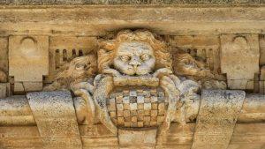 Escudo heráldico del Valle de Baztán en el Palacio de Goyeneche