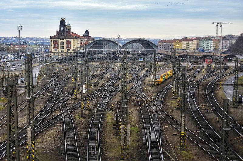 Cómo llegar a Praga y viajar por la República Checa, avión, tren, autobús, coche