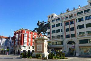 Estatua del Cid Campeador en la Plaza del Mio Cid de Burgos