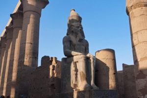 Estatua de Ramsés II en el Templo de Lúxor