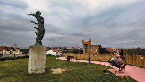 Estatua de los Vientos en el Mirador de los Locos