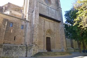 Puerta de San José en la fachada norte de la Catedral de Pamplona