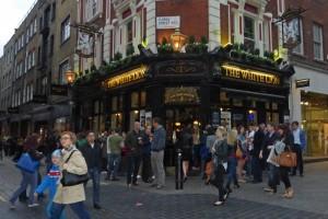 Pub inglés en Floral Street  de Convent Garden