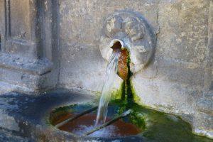 Caño de agua de la fuente de Las Burgas