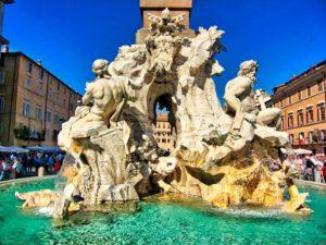Fuente de los Cuatro Ríos en la Plaza Navona