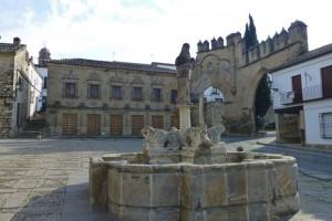 Fuente de los Leones en la Plaza del Pópulo de Baeza