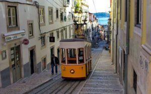 Funicular o elevador de Lisboa
