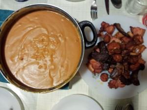 Gachas manchegas, plato típico de la gastronomía de Albacete, qué comer en Albacete