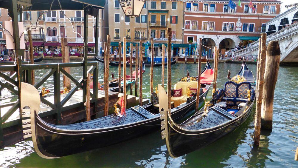 Góndolas, la forma más pintoresca de moverse por Venecia