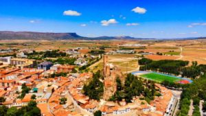 Castillo fortaleza de origen musulmán sobre el Cerro del Águila