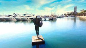 Estatua de Ícaro, un símbolo del Puerto de Alicante