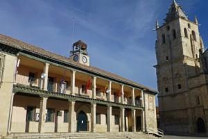 Iglesia de Santa María Magdalena y Ayuntamiento de Torrelaguna, ruta por los pueblos de la sierra de madrid