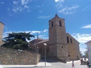 Iglesia de San Juan junto al Castillo-Palacio de Magalia de Las Navas del Marqués