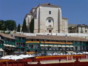 Iglesia de Nuestra Señora de la Asunción desde la Plaza Mayor