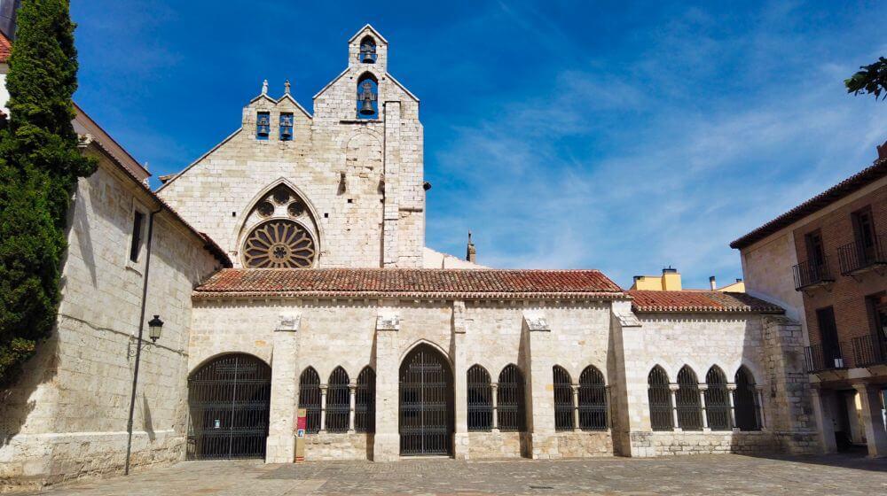 Iglesia de San Francisco, una de las muchas iglesias de Palencia
