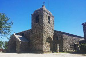Iglesia de Santa María la Real en O Cebreiro, la más antigua íntegramente conservada de la Ruta Jacobea
