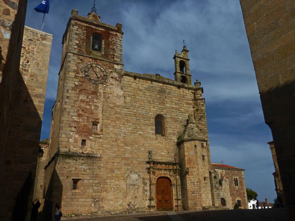 Iglesia de San Mateo en Cáceres, iglesias de Cáceres