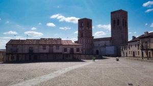 Iglesia de San Martín, la de las Torres Gemelas