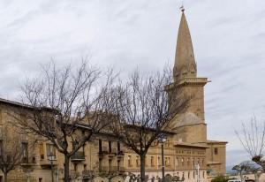 Torre campanario de la Iglesia de San Pedro en Olite