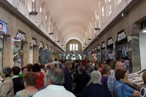 Mercado de Abastos, el lugar ideal para disfrutar de la gastronomía de Santiago de Compostela