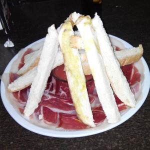 Aperitivo con jamón de Extremadura