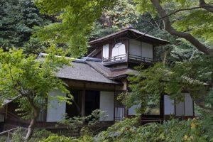 Edificio tradicional japones en el Jardín Sankeien de Yokohama