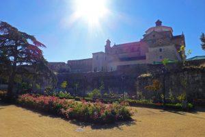 Jardines del Virrey a los pies del Colegio de los Jesuitas