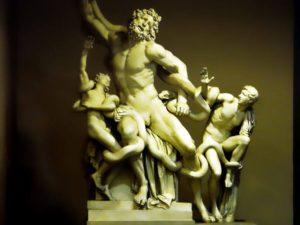 Escultura de Laocoonte y sus hijos