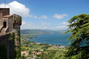 Lago Bracciano desde el Castello Orsini-Odescalchi. Foto de Yellow.Cat