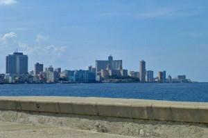 Malecón de La Habana, uno de los lugares más frecuentados por cubanos y turistas