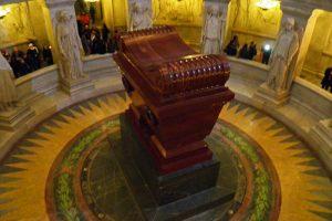 Mausoleo de Napoleón Bonaparte en el Palacio Nacional de Los Inválidos