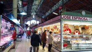 Puestos en el interior del Mercado Central de Alicante
