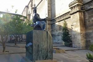 Monumento a Andrés de Vandelvira a los pies de la Catedral de Jaén