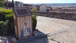 Monumento por el 50 aniversario del Festival Medieval de Hita
