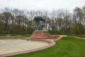 Monumento a Frédéric Chopin en el Parque Lazienki de Varsovia