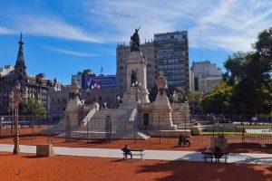 Monumento de los Dos Congresos en la Plaza del Congreso