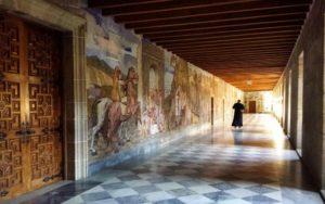 Pinturas murales alrededor del Claustro Grande