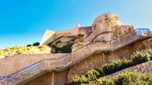 Torre de Mig Armut y brazo oeste de la muralla de Alicante