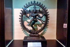 Escultura hinduista en el Museo Nacional de Colombo