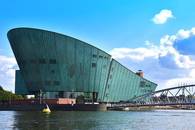Museo de la Ciencia y la Tecnología NEMO en Ámsterdam
