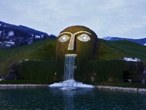 Cabeza gigante en Los Mundos de Cristal de Swarovski