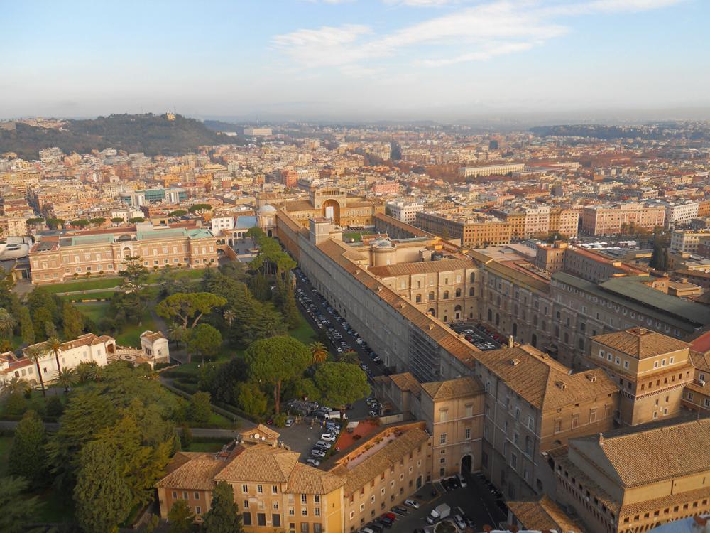 Museos Vaticanos desde la cúpula de la Basílica de San Pedro