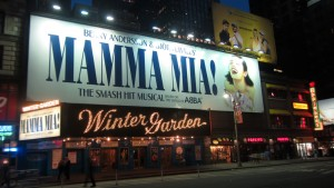 Musical en el teatro Winter Garden de Broadway, cerca de Times Square